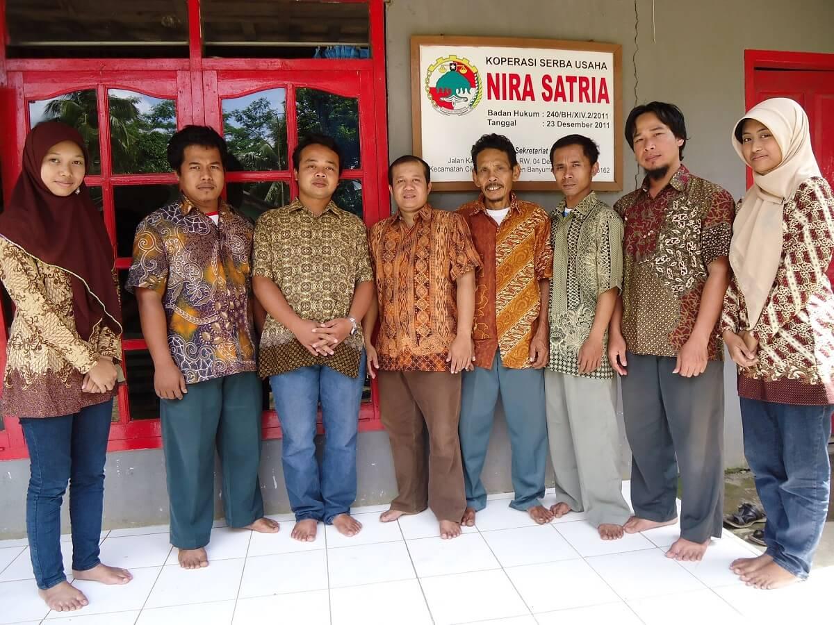 pengurus dan pengelola koperasi nira satria